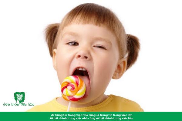 Bảo vệ hệ tiêu hóa của bé khỏe mạnh ngày Tết